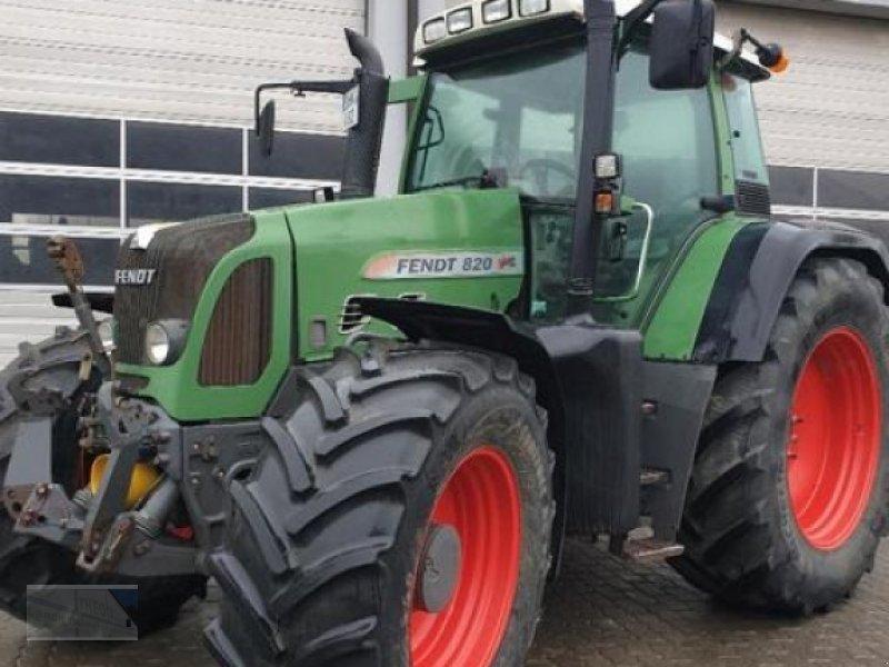 Traktor des Typs Fendt 820 Vario, Gebrauchtmaschine in Kleinlangheim (Bild 1)