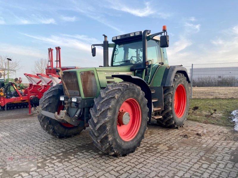 Traktor des Typs Fendt 824 Favorit - in progress, Gebrauchtmaschine in Neubrandenburg (Bild 1)