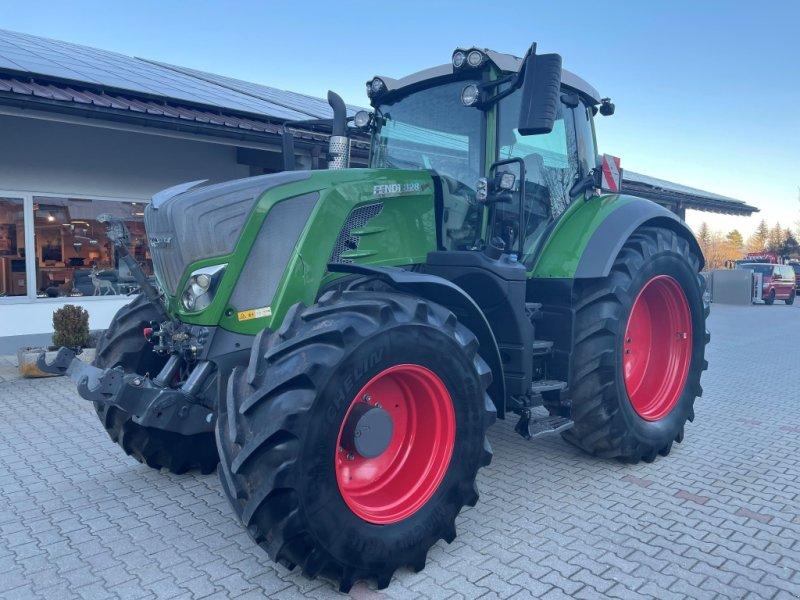 Traktor tip Fendt 828 Vario Profi Plus Unfall Neuer Triebsatz, Gebrauchtmaschine in Neureichenau (Poză 1)
