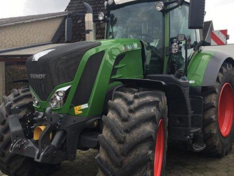 Traktor des Typs Fendt 828 Vario S4 ProfiPlus, Gebrauchtmaschine in Westerhorn (Bild 1)