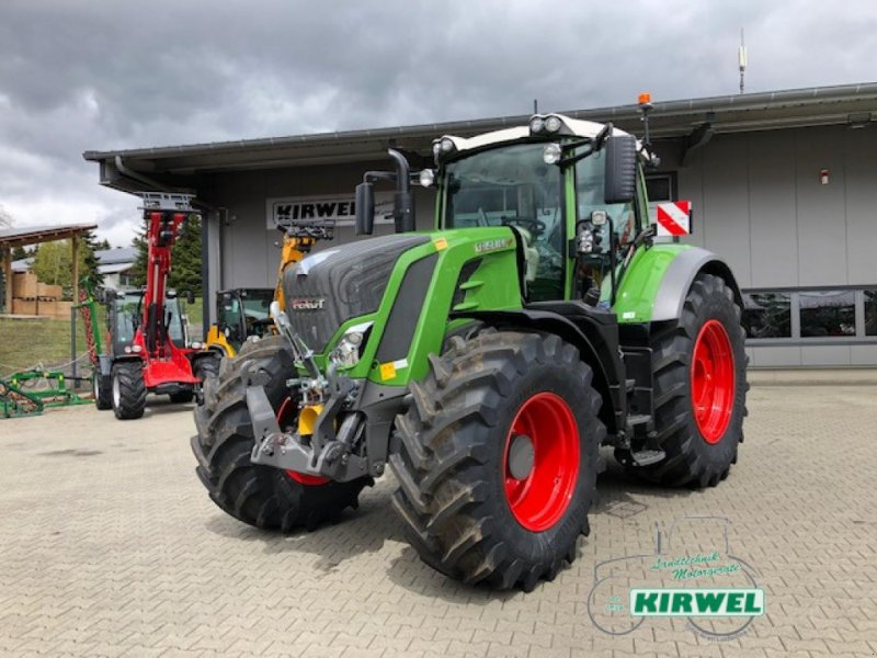 Traktor des Typs Fendt 828 Vario S4, Gebrauchtmaschine in Blankenheim (Bild 1)