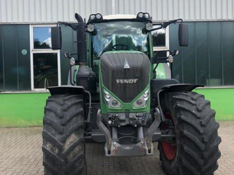 Traktor des Typs Fendt 828 Vario S4, Gebrauchtmaschine in Eckernförde (Bild 1)