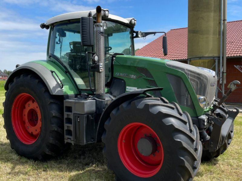 Traktor des Typs Fendt 828 Vario SCR, Gebrauchtmaschine in Ahaus (Bild 1)