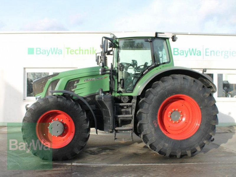 Traktor des Typs Fendt 936 VARIO S4 PROFI, Gebrauchtmaschine in Straubing (Bild 1)