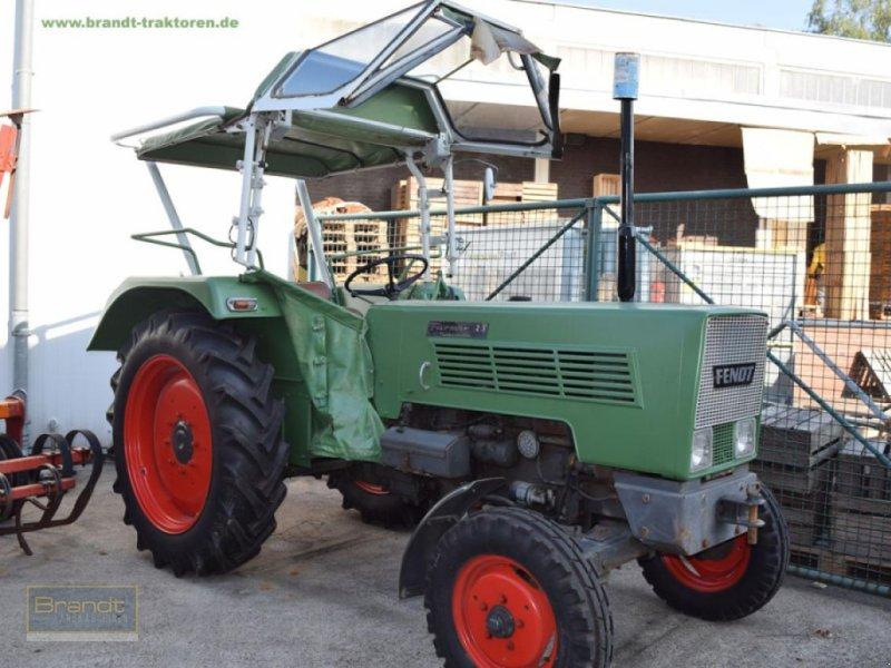 Traktor des Typs Fendt Farmer 2 S, Gebrauchtmaschine in Bremen (Bild 1)
