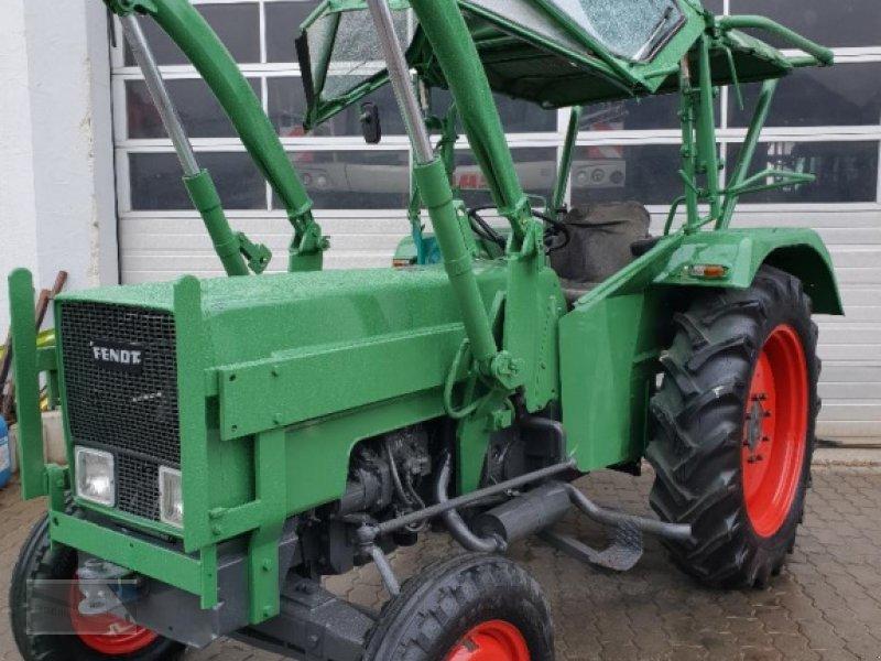 Traktor des Typs Fendt Farmer 2 S, Gebrauchtmaschine in Kleinlangheim - Atzhausen (Bild 1)