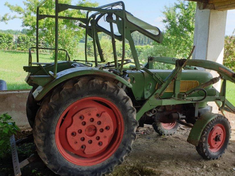 Traktor des Typs Fendt Farmer 2, Gebrauchtmaschine in Weißenburg (Bild 1)