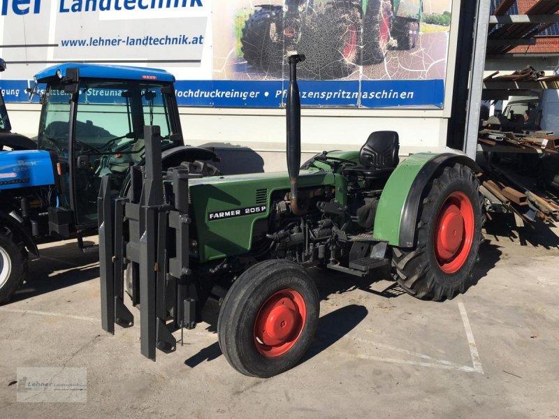 Traktor des Typs Fendt Farmer 205 P, Gebrauchtmaschine in Weisskirchen (Bild 1)