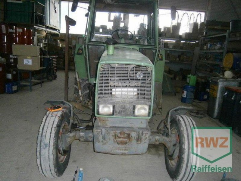 Traktor des Typs Fendt Farmer 305 LS, Gebrauchtmaschine in Kruft (Bild 1)