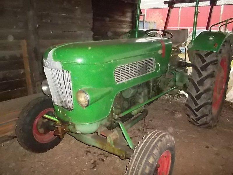 Traktor типа Fendt Favorit 1, Gebrauchtmaschine в Weyhe (Фотография 1)