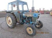 Traktor a típus Ford 4600 Servo styring og nye bagdæk, Gebrauchtmaschine ekkor: Høng