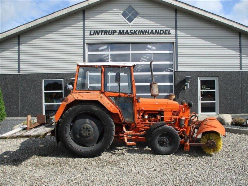 Traktor типа Ford 4610 med kost og brændekløver på., Gebrauchtmaschine в Lintrup (Фотография 1)