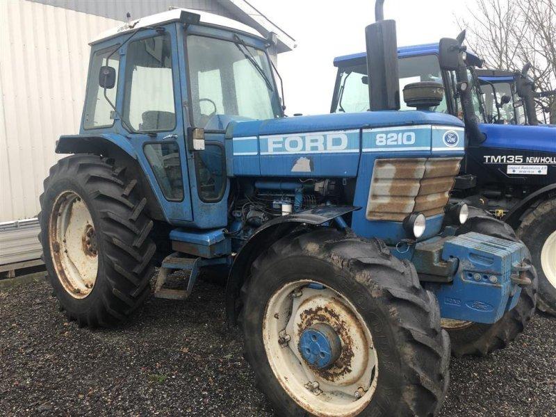 Traktor типа Ford 8210 4 WD, Gebrauchtmaschine в Holstebro (Фотография 2)