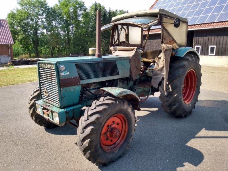Traktor des Typs Hanomag Brilliant 701 Allrad, Gebrauchtmaschine in Honigsee (Bild 3)