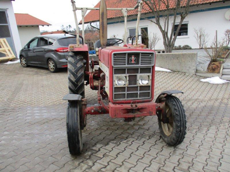 Traktor des Typs IHC 423, Gebrauchtmaschine in Michelsneukirchen (Bild 1)