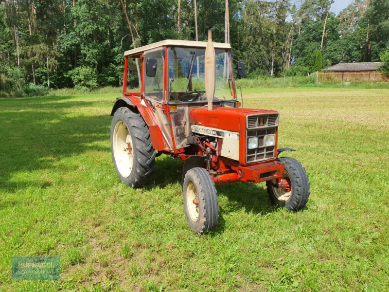 Traktor des Typs IHC 633, Gebrauchtmaschine in Neuhof-Zenn (Bild 1)