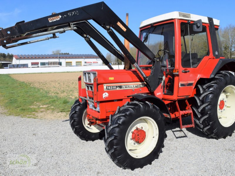 Traktor des Typs IHC 743 XL im guten Zustand - 743 AS mit XL-Kabine, Gebrauchtmaschine in Burgrieden (Bild 1)