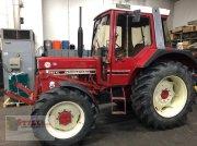 IHC 745 XL Tractor