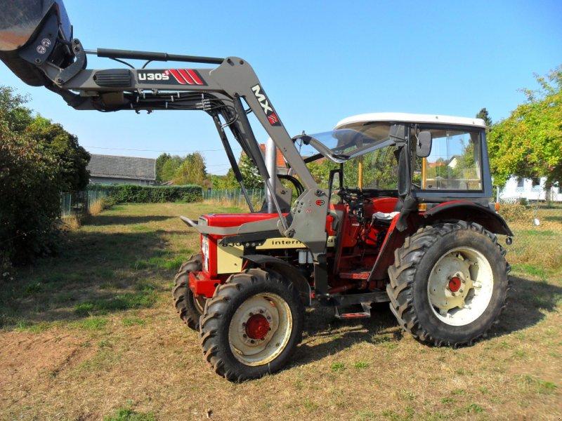 Traktor des Typs IHC 833 AS, Gebrauchtmaschine in Schwalbach (Bild 1)
