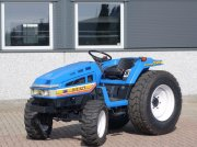 Iseki TU225 4wd / 0676 Draaiuren / Gazon- Industriewielen Tractor