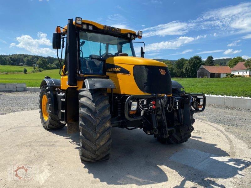 Traktor des Typs JCB Fastrac 3220-80 Plus, Gebrauchtmaschine in Tiefenbach (Bild 4)