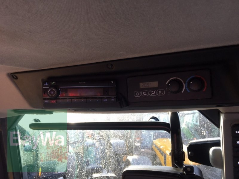 Traktor des Typs JCB Fastrac 4220 mit GPS-Vorrüstung, Gebrauchtmaschine in Dinkelsbühl (Bild 16)