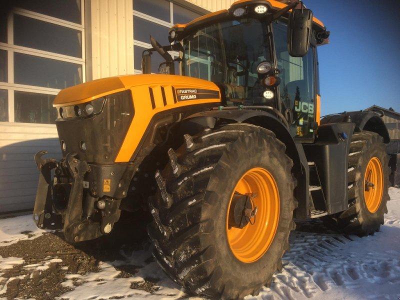 Traktor des Typs JCB Fastrac 4220, Gebrauchtmaschine in Stockach (Bild 1)