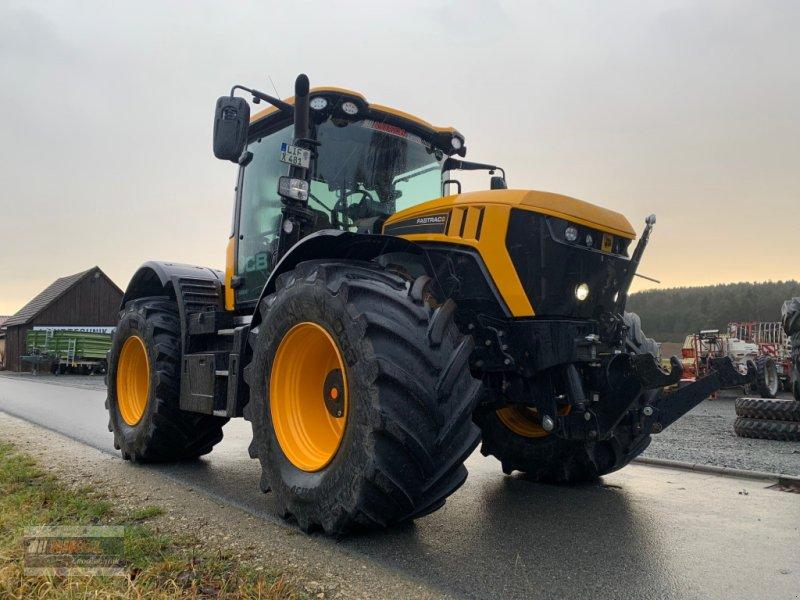 Traktor des Typs JCB Fastrac 4220, Gebrauchtmaschine in Lichtenfels (Bild 1)