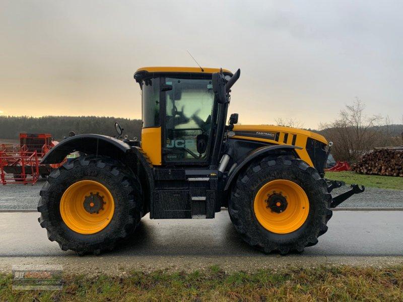 Traktor des Typs JCB Fastrac 4220, Gebrauchtmaschine in Lichtenfels (Bild 2)