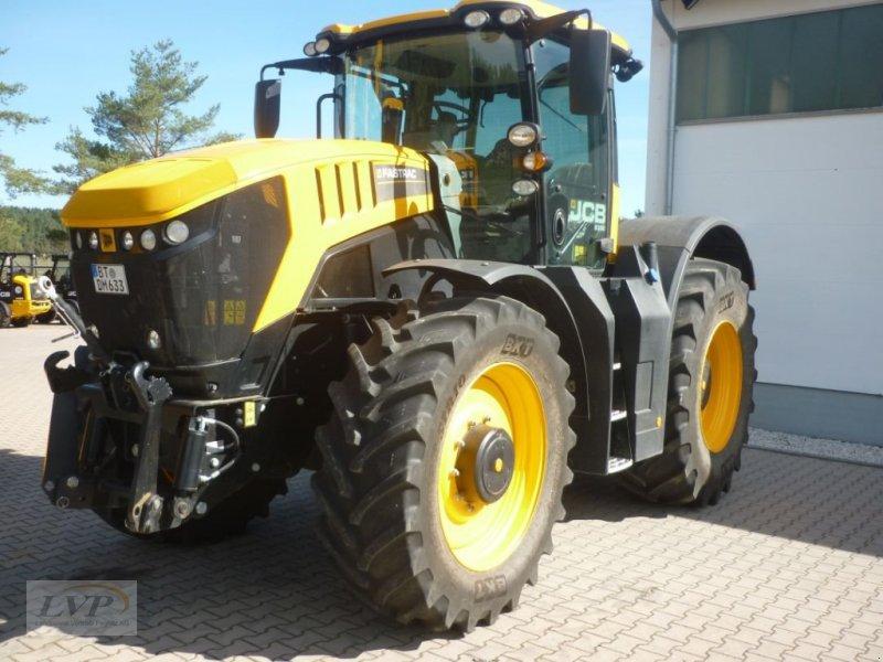 Traktor des Typs JCB Fastrac 8330, Gebrauchtmaschine in Pegnitz (Bild 1)