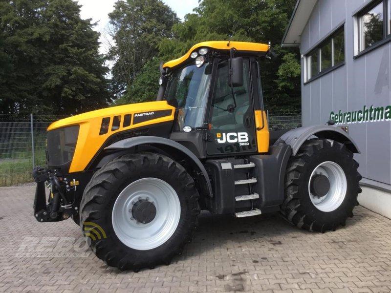 Traktor des Typs JCB HMV 3230 FASTRAC, Gebrauchtmaschine in Neuenkirchen-Vörden (Bild 1)