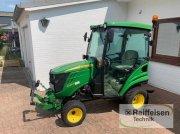John Deere 1026R inkl. Streuer+Besen+Schild Traktor