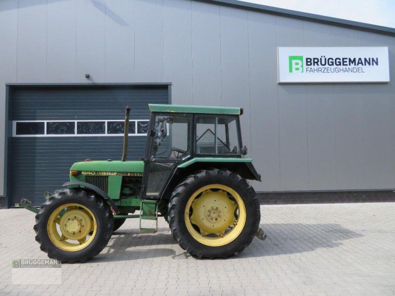 Traktor des Typs John Deere 1640A mit Fronthydraulik, Gebrauchtmaschine in Meppen (Bild 1)