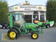 John Deere 2027R Traktor