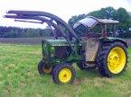 Traktor des Typs John Deere 2120+ Frontlader in Kutenholz