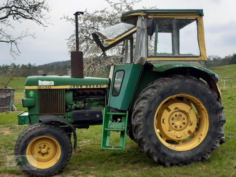 Traktor des Typs John Deere 2130S, Neumaschine in Steinwiesen-Neufang (Bild 1)