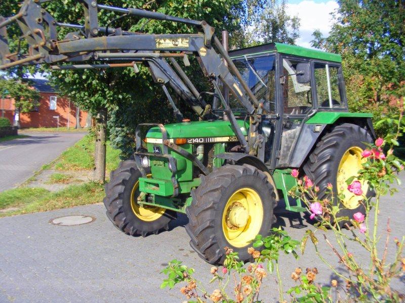 Traktor des Typs John Deere 2140 Frontlader+Lenkhilfe, Gebrauchtmaschine in Kutenholz (Bild 1)