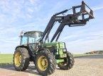 Traktor des Typs John Deere 2250 mit Frontlader in Steinau