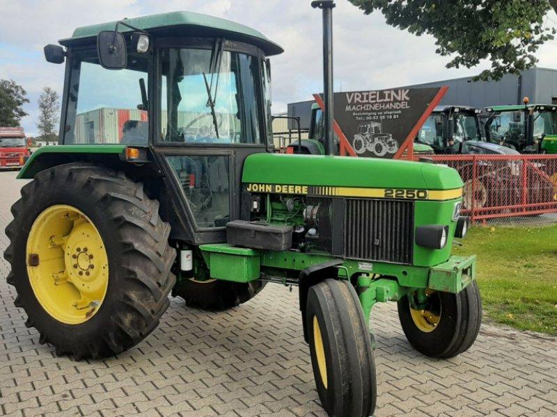 Traktor tipa John Deere 2250 SG2, Gebrauchtmaschine u Schoonebeek (Slika 1)