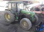 Traktor du type John Deere 2850 en MANDRES-SUR-VAIR