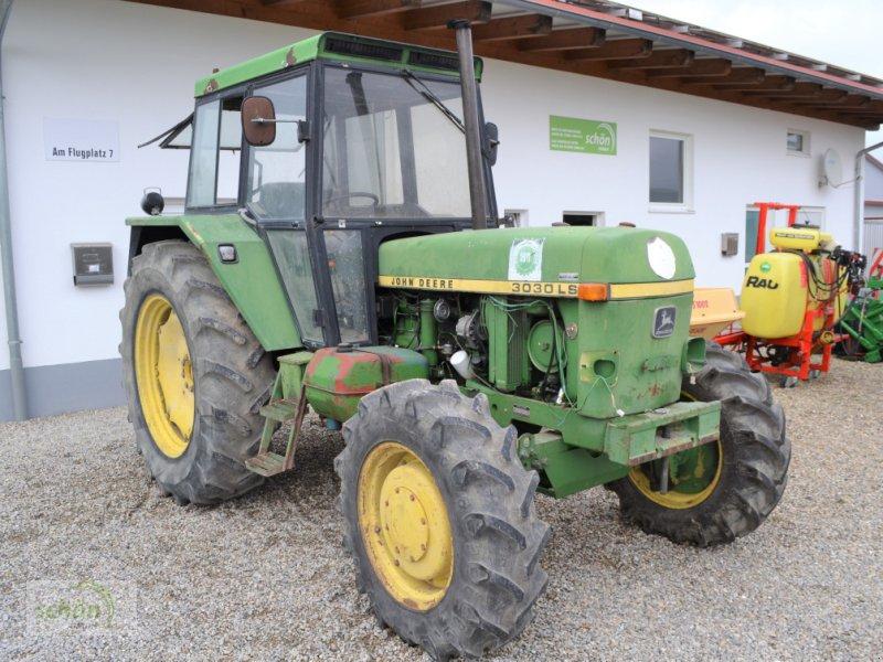 Traktor des Typs John Deere 3030 LS - Traktor mit Allradantrieb und Servolenkung, Gebrauchtmaschine in Burgrieden (Bild 1)