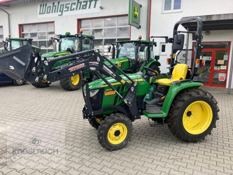 Traktor des Typs John Deere 3038 E, Neumaschine in Stockach (Bild 1)