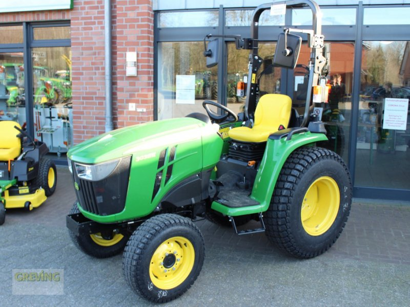 Traktor des Typs John Deere 3038 E, Neumaschine in Ahaus (Bild 1)