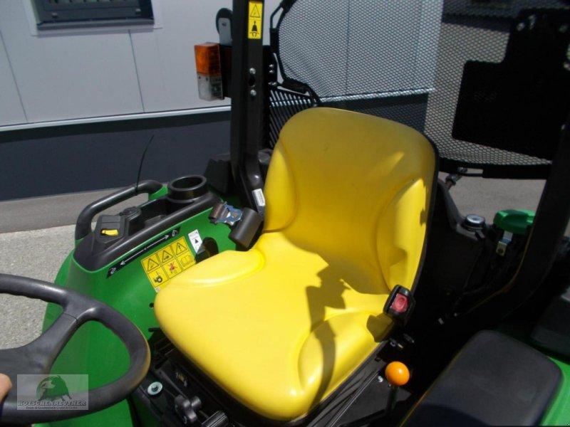 Traktor des Typs John Deere 3038E, Neumaschine in Steinwiesen-Neufang (Bild 7)