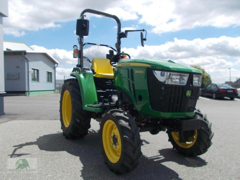 Traktor des Typs John Deere 3038E, Neumaschine in Steinwiesen-Neufang (Bild 4)