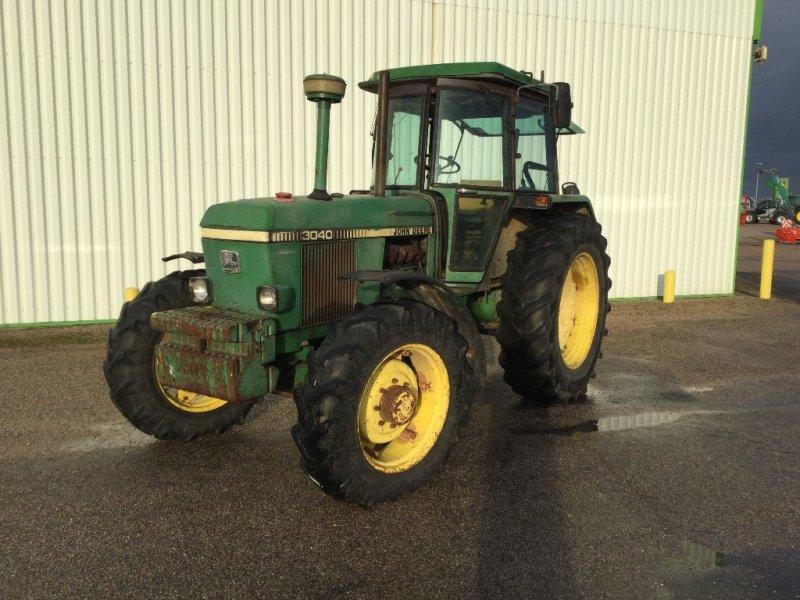 Traktor типа John Deere 3040, Gebrauchtmaschine в LISIEUX (Фотография 1)