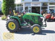 John Deere 3045 R Traktor