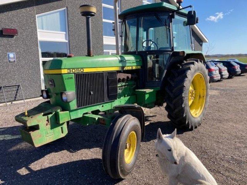 Traktor типа John Deere 3050 NYT INDTRÆK KABINE, Gebrauchtmaschine в Dronninglund (Фотография 1)