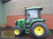 John Deere 4066R Traktor