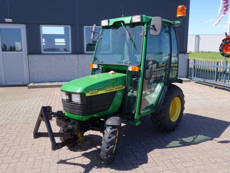 Traktor типа John Deere 4100 4wd HST / 1299 Draaiuren / Fronthef + Cabine, Gebrauchtmaschine в Swifterband (Фотография 3)